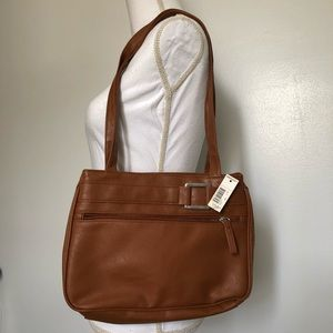 Handbags - NWT brown tote purse with two center pockets